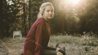 Alžběta (29): V lese nedaleko naší chaty stojí starý dům, ve kterém se dějí záhadné věci