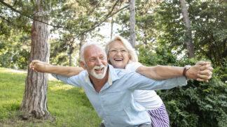 Zdena (63): Můj muž asi přišel o rozum. Chce, abychom si naposledy vyhodili z kopýtka