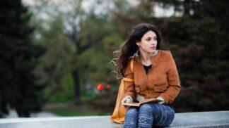 Tereza (20): Kamarádka žije jen pro sociální sítě. Bojím se, že je to na odbornou pomoc