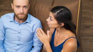 Jiří (37): Manželka se ke mně před svou sestrou chová jako ke kusu hadru. Pak mi to vynahrazuje