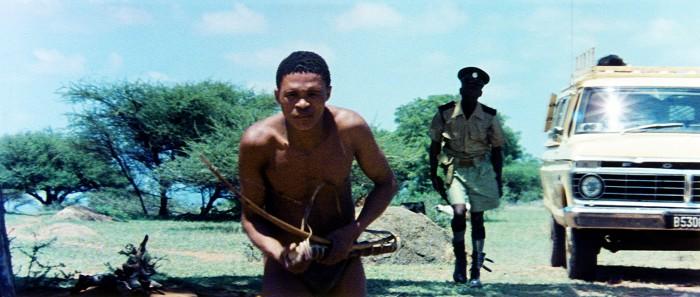 Thumbnail # Bohové musejí být šílení: domorodci viděli kameru poprvé v životě…