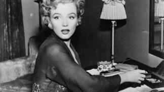 Marilyn Monroe: Nedoceněná geniální kráska, která ve skutečnosti trpěla studem