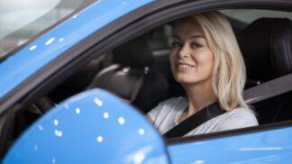 Klára (25): Koupila jsem auto po zemřelém, mám pocit, že mě hlídá. Jednou mi dokonce zachránil život