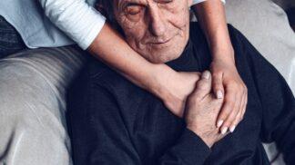 Míša (34): Můj táta má rakovinu, k léčbě ho donutila až mamka. Vypadá to, že už je pozdě