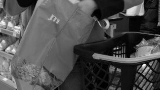 Jde to i jinak: Zapomeňte na jednorázové igelitky a sáhněte po opakovaně použitelných taškách