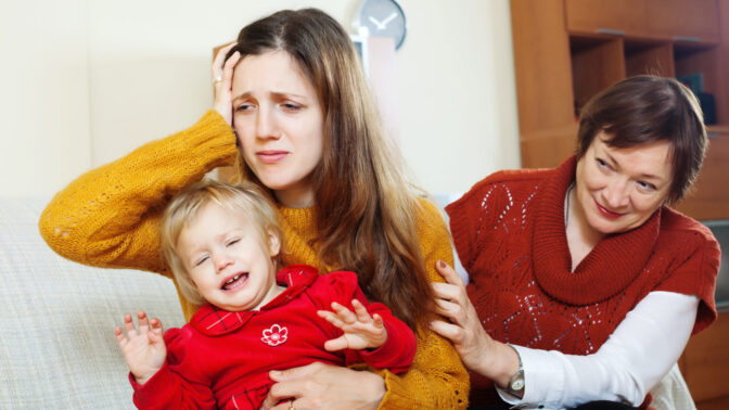 Radka (49): Mám strach o svou vnučku. Dcera jí pořád dává tablet, aby od ní měla pokoj
