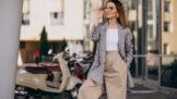 Sako na rande i do kanceláře: Dvouřadé ubere kila, projmuté zvýrazní dekolt