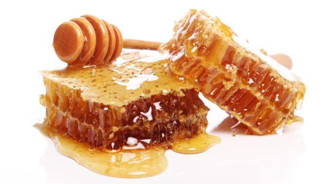 Domácí pleťová maska z medu: Pro krásnou pleť vám stačí jen dvě ingredience a půl hodiny času