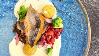 Gastronomie není o memorování receptů, ale o ovládnutí technik. Ve finále soutěže to dokazují mladí kuchaři