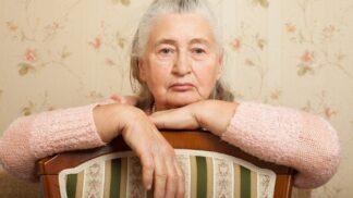 Irena (69): Syn si vzal ženu, která rodí jedno dítě za druhým. Nechávají se ode mě živit