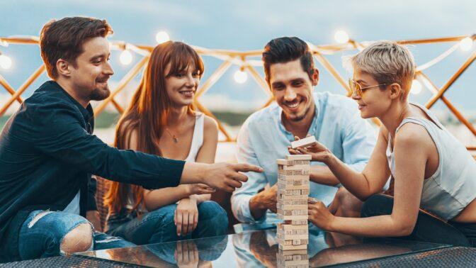 Seznámení jako z Deníku Bridget Jonesové: Jaké jsou podle psychoterapeutky výhody dohozeného vztahu