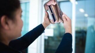 Petra (33): Manžel mi nedává peníze, jsem na mateřské dovolené a prý nic nepotřebuji
