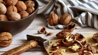 Jezte denně šest vlašských ořechů a bude vám to pálit jako Einsteinovi, říkají lékaři