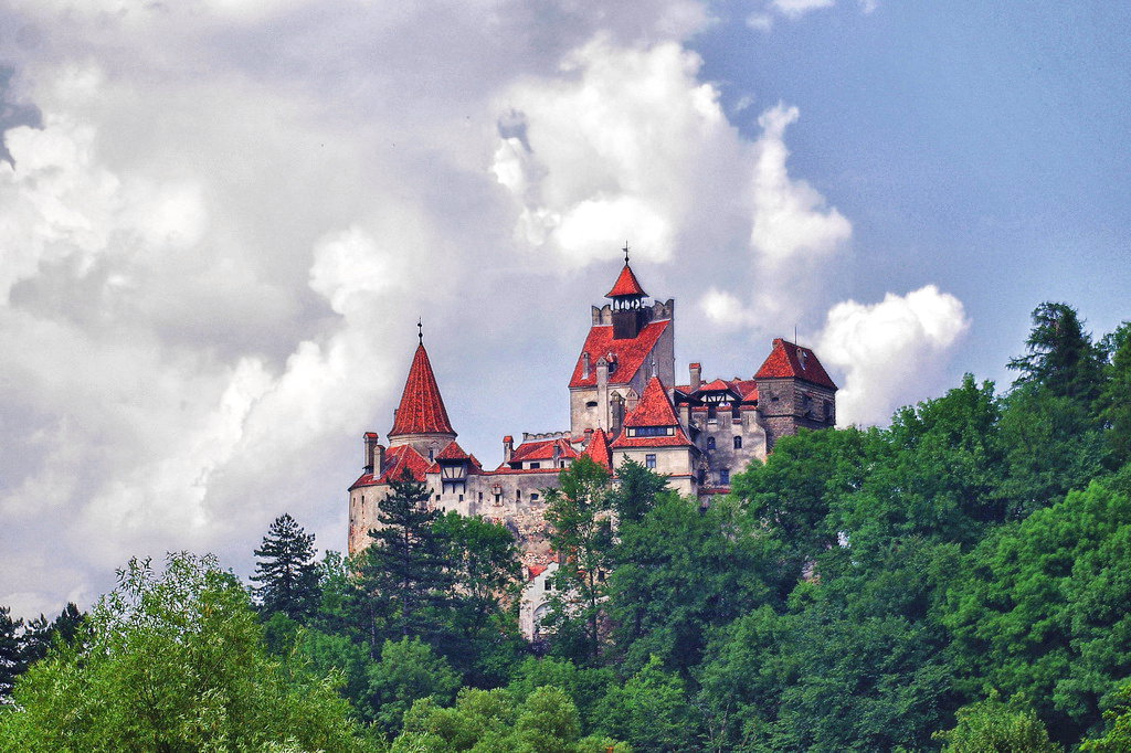 Thumbnail # Tajemný hrad Bran: Výnosný byznys jménem Drákula s nádechem tajemna…