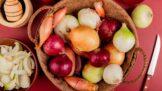 Vyznejte se v cibuli: Která se hodí do guláše, která do salátu a jak ji mohou jíst žlučníkáři