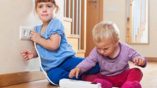 Myslíte, že jsou děti doma v bezpečí? Nástrahy číhají tam, kde by vás to ani ve snu nenapadlo