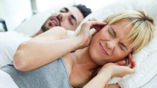 Chrápání není jen nepříjemné: Ohrožuje zdraví víc, než si myslíte