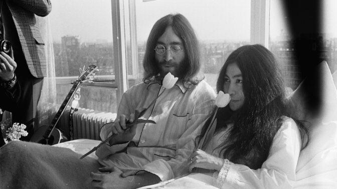 Výročí narození Johna Lennona: S Yoko Ono sdílel zálibu v drogách, ta však kvůli nim třikrát potratila