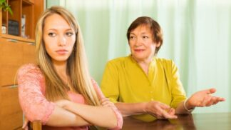 Romana (65): Odmítám vnoučatům nahrazovat jejich matku. Dcera mi dala nůž na krk