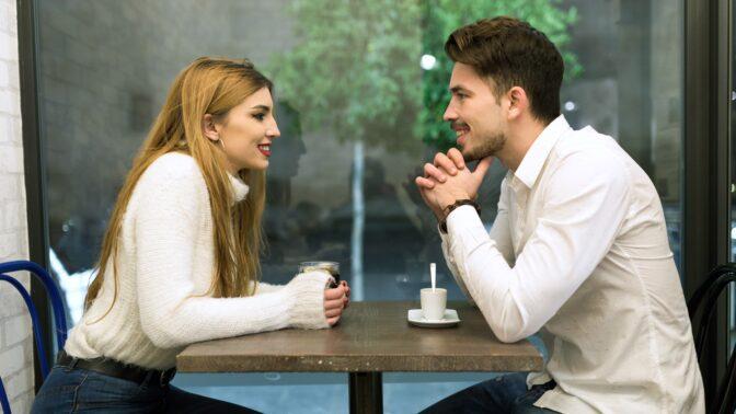 """Jdete na první rande a chcete, aby nebylo poslední? Nemluvte o """"ex"""" a nelitujte se, říká psychoterapeutka"""