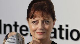 Susan Sarandon slaví 74: Za první roli se dodnes stydí. Hrát začala, protože potřebovala zaplatit nájem