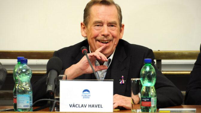 Výročí narození prezidenta Havla: Odvážně bojoval proti komunismu, jeho první kroky v úřadu dodnes budí vášně