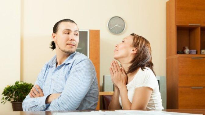 Evelína (32): Zatímco já můžu pracovat z domova, manžel musel zůstat doma bez práce. Zažívám peklo