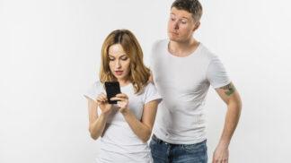 Petr (40): Žena si nahrává naše rozhovory jako důkaz. Řeší se mnou věci jen přes telefon
