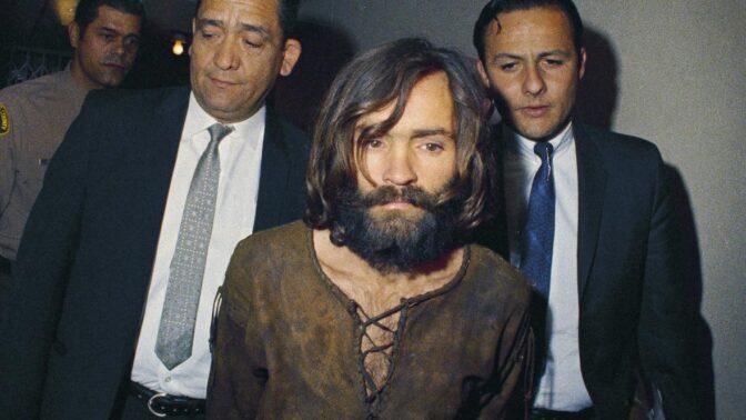 Fanatik Charles Manson: Jeho běsnění vyústilo v brutální vraždu nejkrásnější ženy Hollywoodu. Byla těhotná