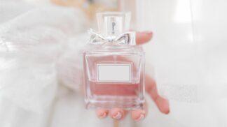 Parfém jako dárek: Nejlepší vůně roku 2020 do mrazivého počasí