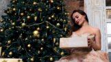 Nejkrásnější Vánoce každé ženy? Díky dárkům, které podpoří její krásu!