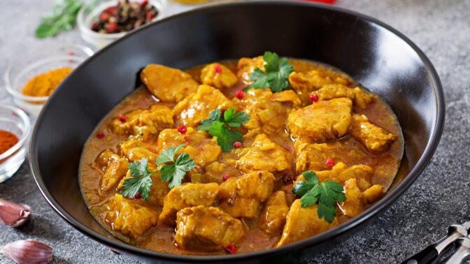 Kuře na paprice: Obyčejné jídlo, které může chutnat naprosto luxusně