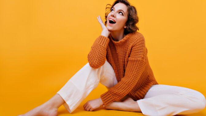 Buďte sexy i v oversized svetru: Správně ho nosit není věda