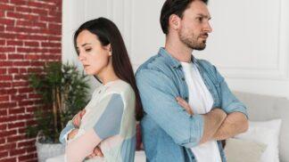 Jak poznat, že vás bývalý partner stále miluje? Soustřeďte se na tyto věci