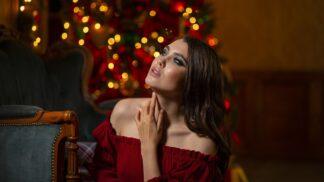 Víte, co se letos bude nosit ke stromečku? Oblečte se jako opravdová hvězda Vánoc