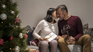 Originální vánoční dárky: Potěšte ho elektronikou, kosmetikou, masáží nebo něčím na zub