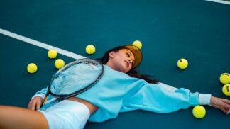 Tři efektivní způsoby, jak vyzrát na tenisový loket včetně babských rad