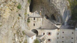 Skalní hrad Predjama, pevnost Carcassonne či maurský skvost Alhambra: Startuje unikátní televizní dokument
