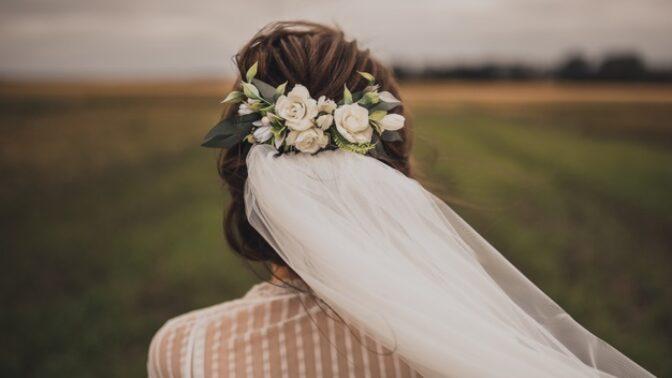 Světlana (24): Přítel mě požádal o ruku. Odmítá však velkou svatbu, kterou jsem si přála