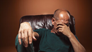 Otakar (56): Milenka mě vyděsila. Když jsme dováděli v posteli, vypadly jí zuby na podlahu
