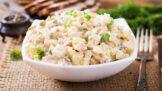 Jak na nejlepší bramborový salát: Kouzlo spočívá v surovinách a v načasování