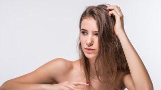 Marie (27): Přítel vyžaduje, abych byla doma nahá, a roztahuje závěsy, ať nás každý vidí