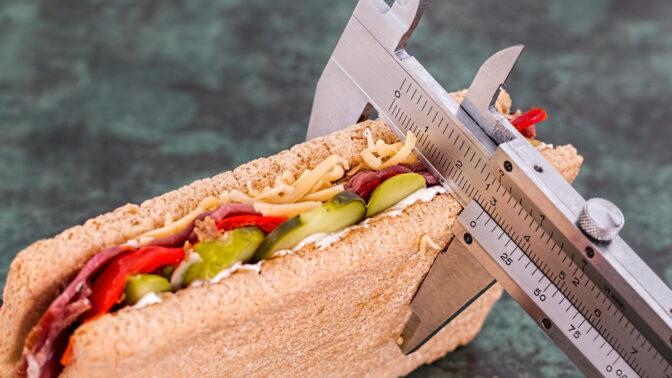 Jak se stravovat, když si chcete udržet váhu: Vsaďte na pravidelnost v jídle a bílkoviny