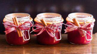 Tři nejlepší jedlé dárky: Jak na domácí pečený čaj, paštiku nebo vaječný koňak