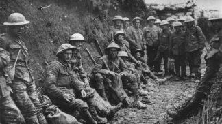 Vánoční zázrak na frontě: Vojáci na den přerušili jatka a začali zpívat koledy