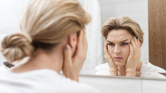 Tereza (31): Manžel vysadil záchodové dveře. Myslí, že mám milence a hlídá každý můj krok