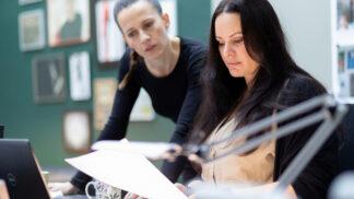 Hlava Medúzy zmizela: Filip Renč natočil sérii závažných kriminálních případů inspirovaných slavným obrazem antické příšery