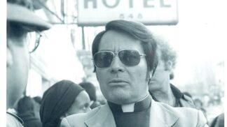 Vraždící maniak Jim Jones: Jeho smrtící koktejl vypilo přes 900 lidí