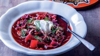 Boršč: Skvělá ukrajinská polévka s řepou v hlavní roli