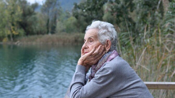 Irena (67): Nevyslyšela jsem manželovo poslední přání, a tak mi ho připomněl ze záhrobí